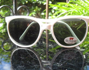 Vintage NOS white sunglasses ~ made in Taiwan R.O.C.