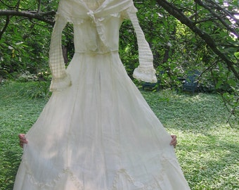 Victorian Wedding Dress Cream Cotton Batiste or Lawn Gathered Front High Collar Bodice Long Flounced Skirt with Train Romantic Lovely SZ XS