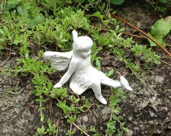 Fairy Playing With Bird/Cast Iron/Garden/Girl's Room/Fairy Garden/Bird Bath