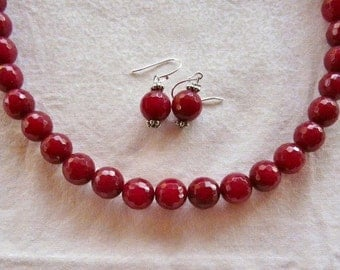 18 Inch Cranberry Red  Faceted Jade Necklace with Earrings