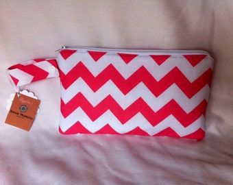 Insulated Snack Bag in Pink Chevron