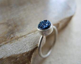 Handworked Silver Ring, Chalcedony Titanium Coated Blue 6mm Druzy Ring, Handworked Sterling Silver Bezel Ring, Druzy Jewelry Gifts For Her