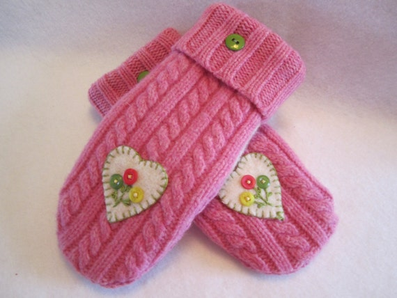 Women's bright pink cable knit woolen mittens with appliqued heart