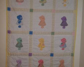 SALE Sunbonnet Sue Baby Quilt, Crib Quilt