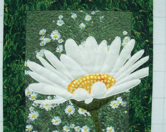 Quilted Daisy Wallhanging
