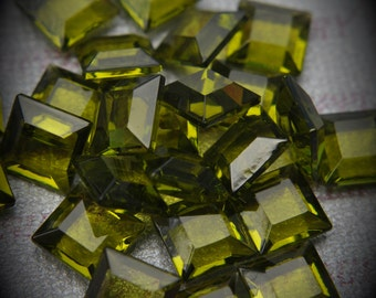 4402/2 8mm Genuine Swarovski Crystals Olivine Square Unfoiled Rhinestone