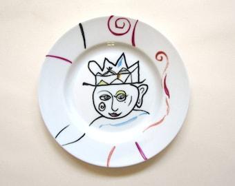 Illustrated plate, art, Picasso, crown, jester, portrait, Queen, modern, geometric, blue, magenta, orange, black, white,