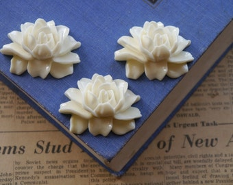 3 Extra Large Ivory Rose Resin Flower Cabochons 46mm (3 pieces) (RC2172)