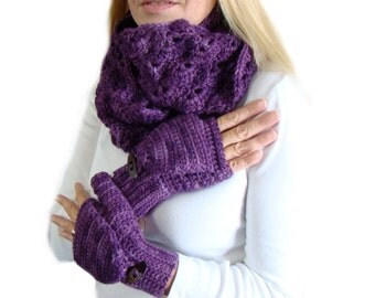 Convertible Fingerless Circle Scarf Set Amethyst Purple Crochet, Hand Dyed Winter Scarf Set, Plum Purple Infinity Scarf, Winter Mitten Set