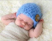 Baby fuzzy and soft Crochet Hat. With a wooden button on it Photography Prop, crochet hat, baby girl hat 0-3 month