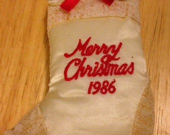 Merry Christmas 1986 Cat in Stocking Ornament