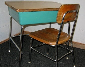 Vintage Mid Century Heywood Wakefield Child's School Desk & Matching Chair