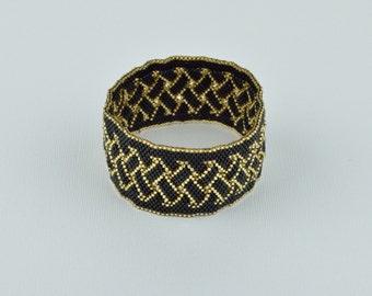 Black and gold bracelet. Bead woven bracelet.(B10018)