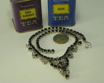Amazing Beautiful Vintage Black and White Stone Necklace