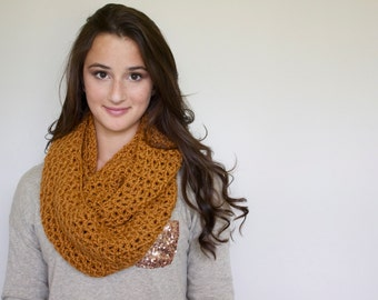 Infinity Scarf in Honey Brown // The Brynn