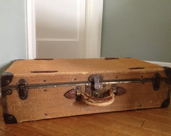 Antique Luggage // Suitcase // Straw Tweed // Prop // Home Decor
