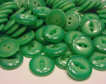 8 vintage green 2 hole buttons , 16 mm (41)