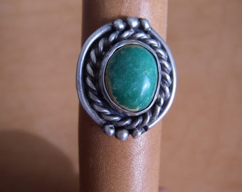 Vintage Sterling SIlver Green Turquoise Ring