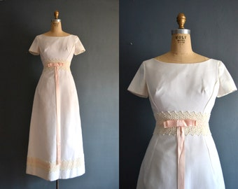 SALE 60s wedding dress / 1960s wedding dress / Bebe
