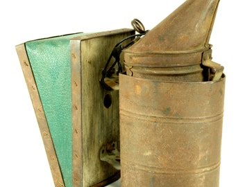 Rusty Rustic Vintage Beekeeper's Bee Smoker/Fogger - Rustic Country Farm Decor