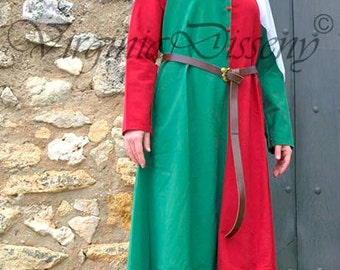 Medieval dress in two colours, for historical reenactment, theater and other events