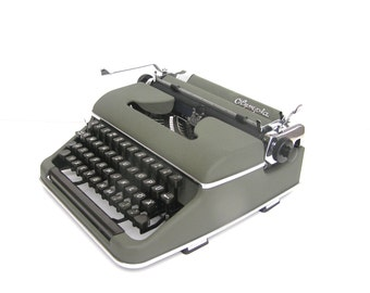 Olympia working typewriter teal green superb working condition serviced new blue ribbon 1951 Germany