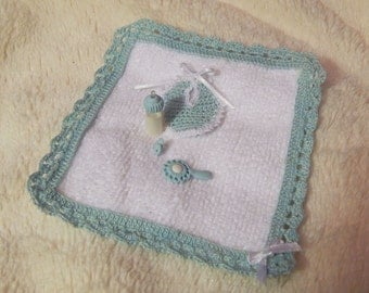 Baby Blanket and accessories, miniature, scale 1: 12