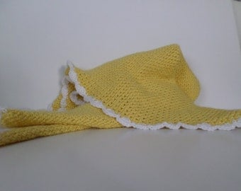 Yellow baby afghan with white scallop trim