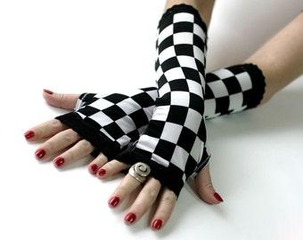Alice in Wonderland gloves, arm warmers, mittens - Steampunk Noir Gothic Black Lace Lolita Goth Bohemian  Victorian Goth
