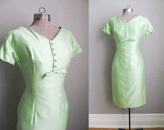 1950s Wiggle Dress Vintage Celery Green 50s Dress Short Sleeves Cotton Sateen / XS