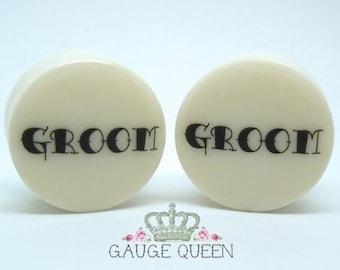 "Groom Wedding Plugs /Gauges. 4g /5mm, 2g /6.5mm, 0g /8mm, 00g /10mm, 1/2"" /12.5mm, 9/16"" /14mm, 5/8"" /16mm, 3/4"" /19mm, 7/8"" /22mm, 1"" /25mm"