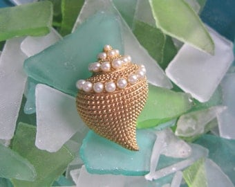 Ocean Jewelry, Shell Brooch, Sea Shell Jewelry, Costume Jewelry, Vintage Brooches