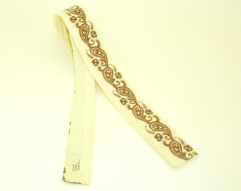 1950s Square Paisley Tie Mens Vintage 50s Off white Cotton Square Bottom Skinny Narrow Tie with Brown & Black Screen Printed Paisley Designs