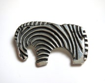 Vintage Zebra Sterling Silver Brooch - Animal Pin - Weight 13.7 Grams - Zoo Pin - Animal Lover - Stripes