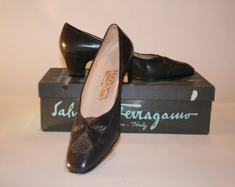 Ferragamo,Vintage Charcoal Ferragamo Shoes, Italian Shoes, Gray Leather