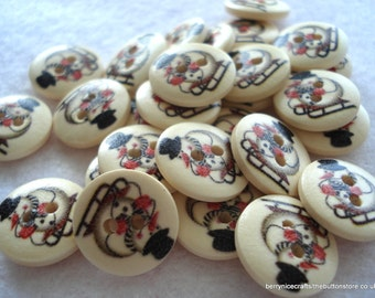 15mm Wood Buttons Skiing Snowman Buttons Christmas Buttons Pack of 20 CR10