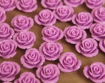 CLOSEOUT - 20 pc. Lilac Blooming Flower Cabochons 15mm | RES-365