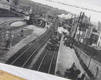WWI 1918 Soldier's Souvenir Postcard  - Train Station    General View Paris, France