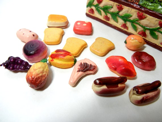Barbie Toy Food : Vintage dollhouse or barbie sized toy food by