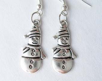 Metal snowmen charm earrings - snowmen jewelry - festive snowmen earrings - festive jewelry - metal charm earrings - snowmen earrings