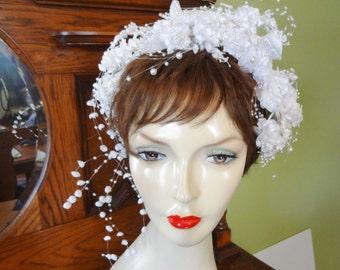 Beautiful Vintage Bridal Headpiece - 1980's Floral Headpiece with Cascading Pearls - Headband Style Bridal Hat - Boho Chic Bridal Headpiece