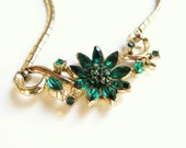 Vintage Green Flower Rhinestone Necklace, Emerald Green Choker, Floral Design Necklace, Gold tone