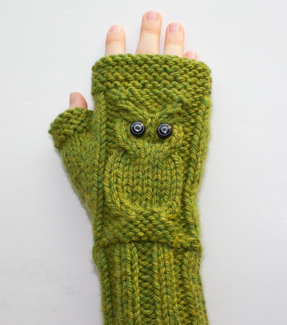 Owl Mittens Knitting Pattern : Knitting PATTERN Cable Owl Gloves Fingerless by SurlySheepShop