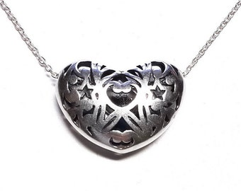Delicate heart pendant. Sterling Silver.