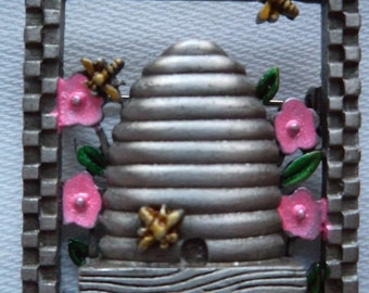 Vintage Signed JJ Silver pewter Beehive with Flowers and Bee's Brooch/Pin