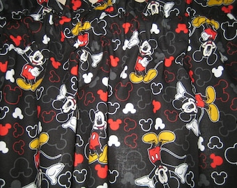 """Disney Mickey Everyday Mickey and Icons Toss Black Curtain Valance in 100% Cotton 41"""" x 15"""" - Handmade New."""