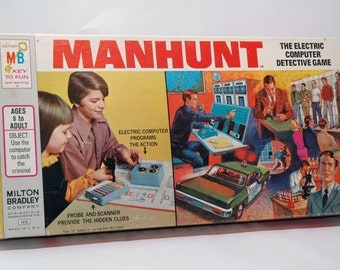 Manhunt Game from Milton Bradley 1972 COMPLETE (read description)