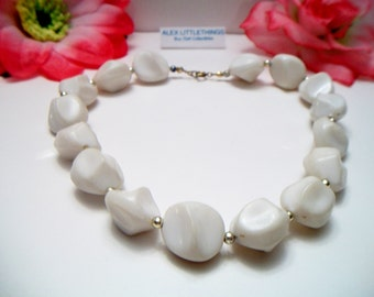 Vintage White Nugget Beaded Necklace Freeform Retro Costume Jewelry