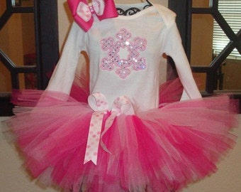 Snowflake tutu set. Perfect for a winter wonderland party. Can change colors or personalize. 3m- size 6