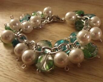 White Pearl-like and Glass bead bracelet